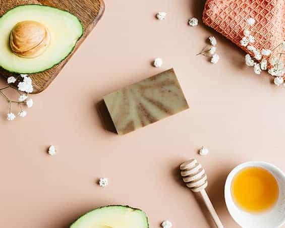 Savon solide surgras saponifié à froid Douceur pour les peaux sensibles